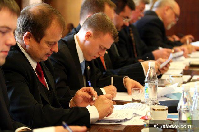 Jelenia Góra: Rada murem stanęła za Sawickim
