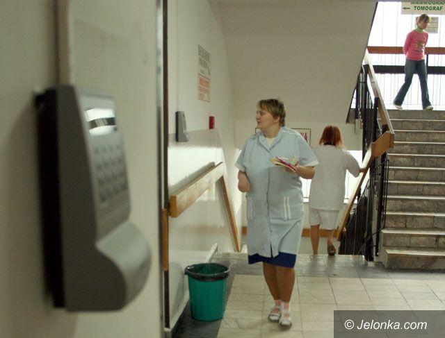 JELENIA GÓRA: Szpital pod nadzorem