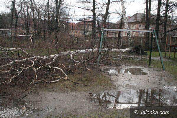 Region Jeleniogórski: Emma ciągle szaleje