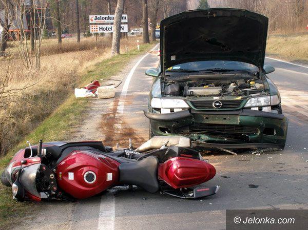 JELENIA GÓRA: Motocyklista zginął pod kołami