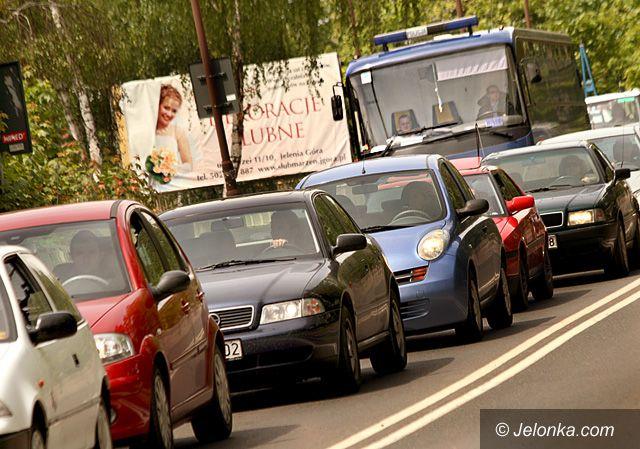 Region Jeleniogórski: Spokojny długi weekend na drogach