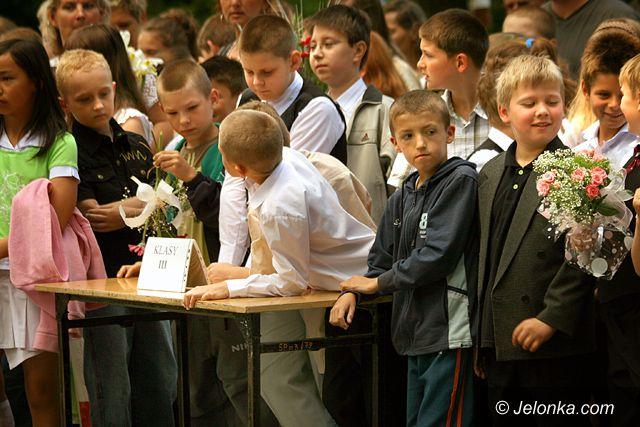 JELENIA GÓRA: Lizaki jak róże na osłodę końca roku szkolnego