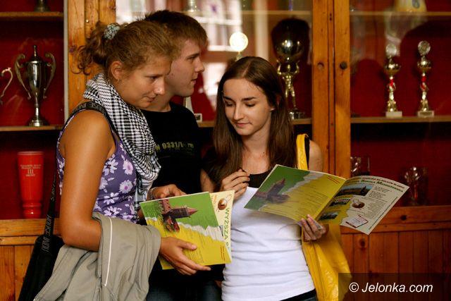 JELENIA GÓRA: Dyplomy w kryptoreklamie?