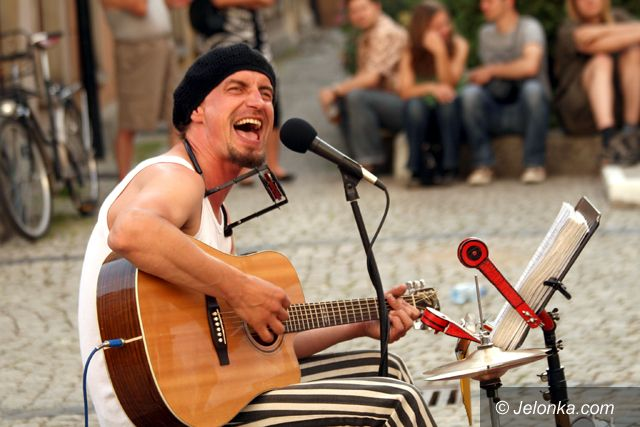 JELENIA GÓRA: Śpiewać na ulicy (nie) każdy może
