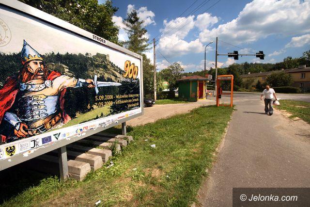 JELENIA GÓRA: Jubileusz na billboardach – lepiej późno niż wcale