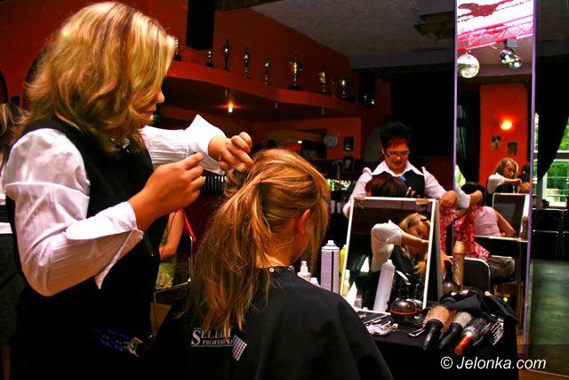 Jelenia Góra: Egzaminy z szałowych fryzur