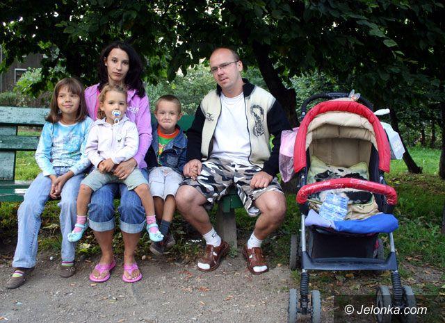 Region Jeleniogórski: Z trójką dzieci na bruk