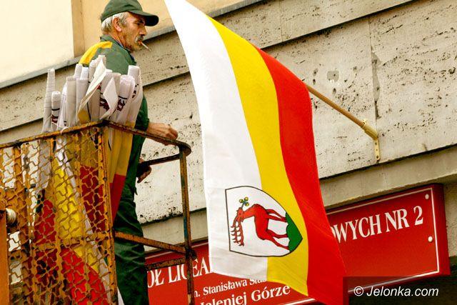 JELENIA GÓRA: Powieś flagę miasta na jubileusz