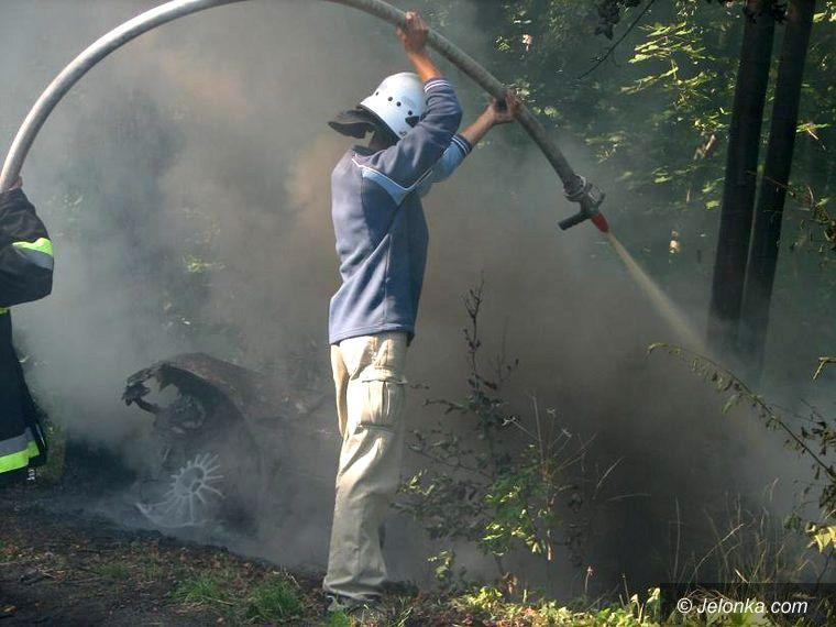 Karpniki: Spłonęło auto rajdowca