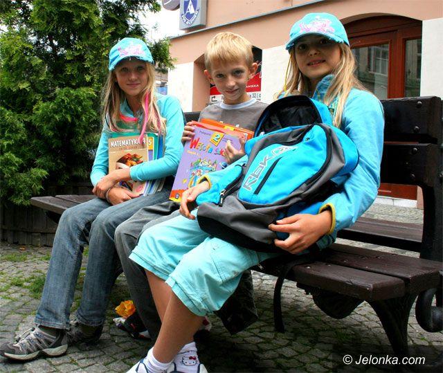 JELENIA GÓRA: Trudny powrót do szkolnej ławy
