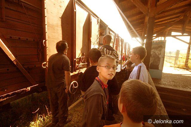 REGION JELENIOGÓRSKI: Żywa lekcja historii w pociągu
