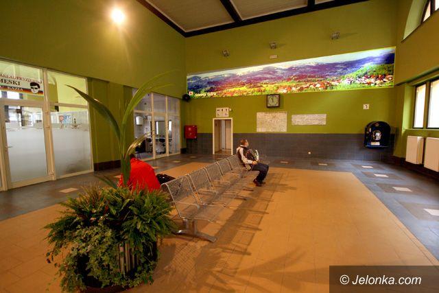 JELENIA GÓRA: Dwa światy po remoncie dworca głównego