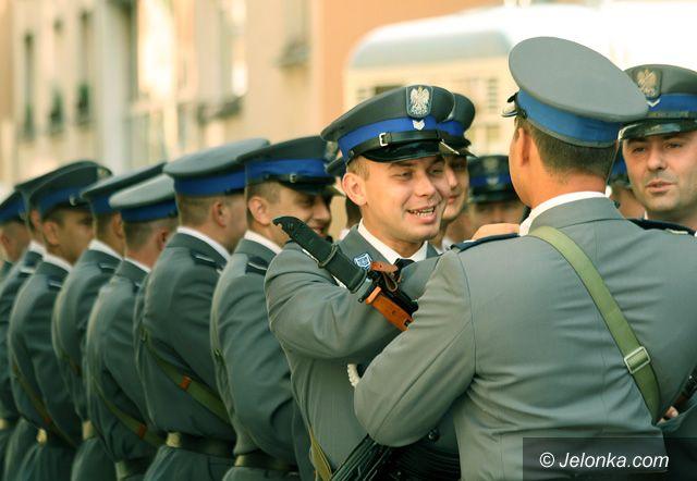 JELENIA GÓRA: Wakaty czekają na przyszłych policjantów