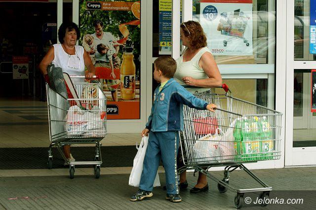 JELENIA GÓRA: W markecie robią bonem w balona