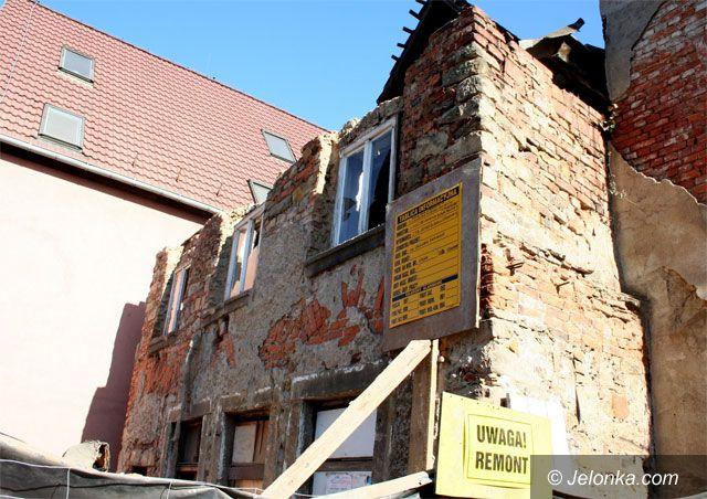 JELENIA GÓRA: Runęła ruina przy ul. Sobieskiego