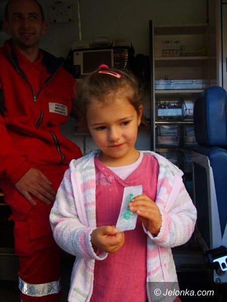 Jelenia Góra: Przedszkolaki w karetce pogotowia