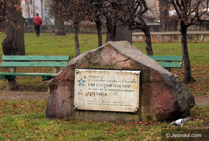 JELENIA GÓRA: Niszczeje obelisk twórcy esperanto