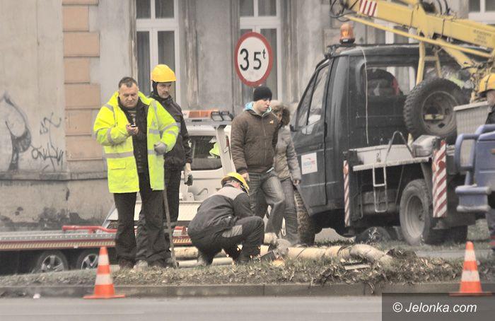 JELENIA GÓRA: Ubywa latarni przy ulicy Wolności