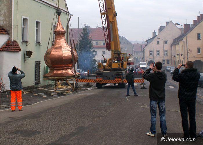 JELENIA GÓRA: Powrót hełmu wieży w Lubomierzu