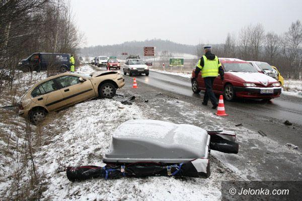 REGION: Uwaga! Bardzo ślisko i kolizje na drogach