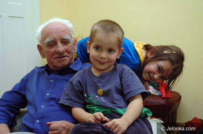 JELENIA GÓRA: Wnukom pozwala na wszystko