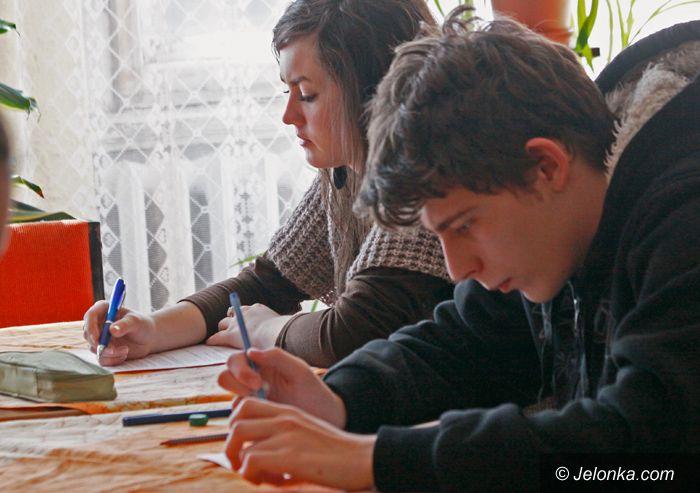 JELENIA GÓRA: Prawa dziecka i człowieka pod lupą gimnazjalistów