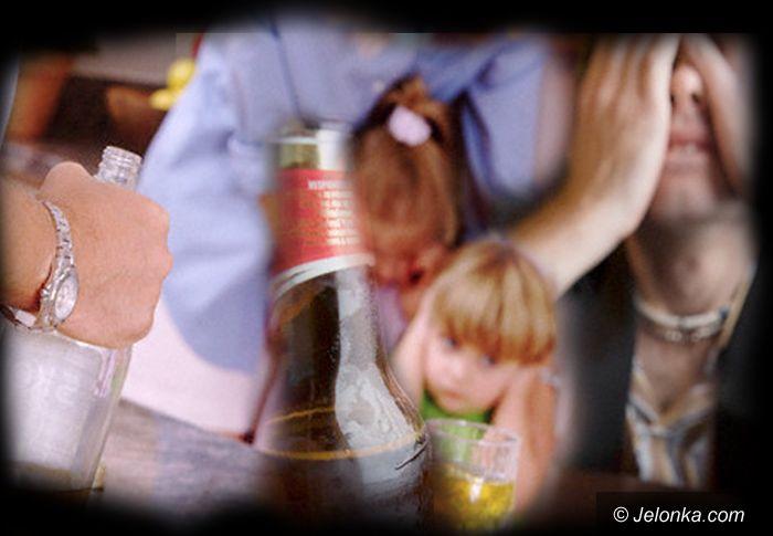 JELENIA GÓRA: Bo tatuś z mamusią za dużo wypili