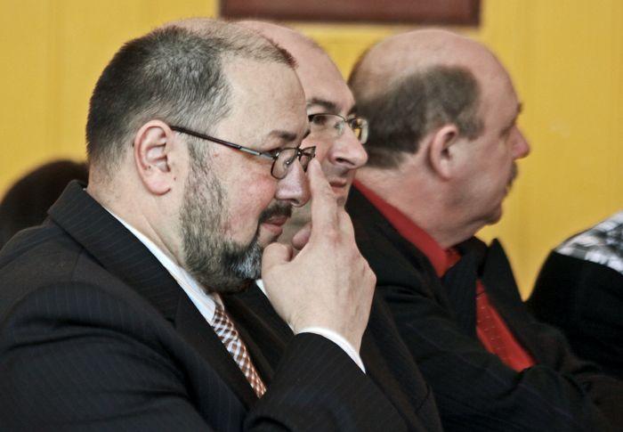 Roman Kuty z prezydentem Markiem Obrębalskim i naczelnikiem wydziału oświaty Waldemarem Woźniakiem.