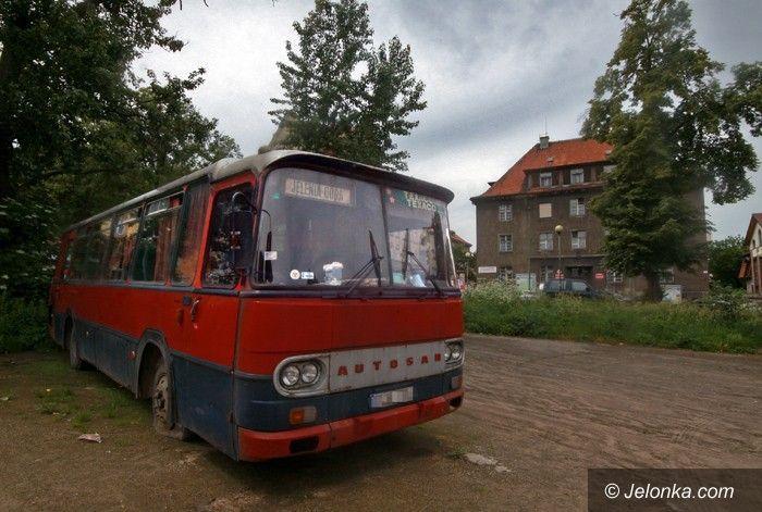 JELENIA GÓRA: Spłonął autobus przy ul. Kochanowskiego