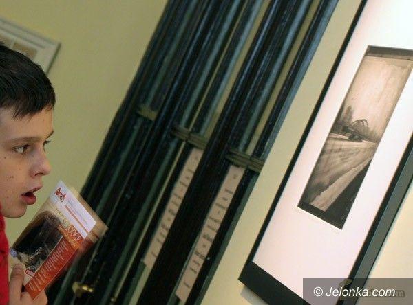 JELENIA GÓRA: Banalne piękno w Galerii Skene