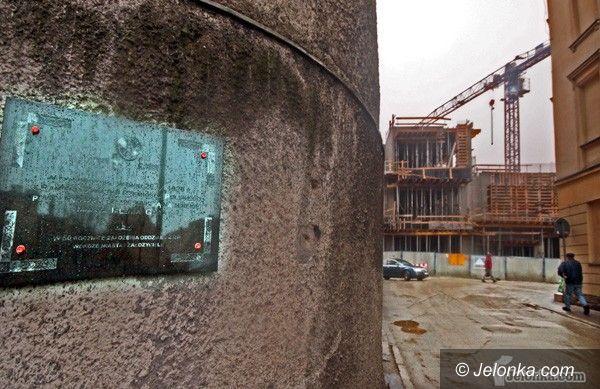 JELENIA GÓRA: Polski ślad w niemieckim mieście