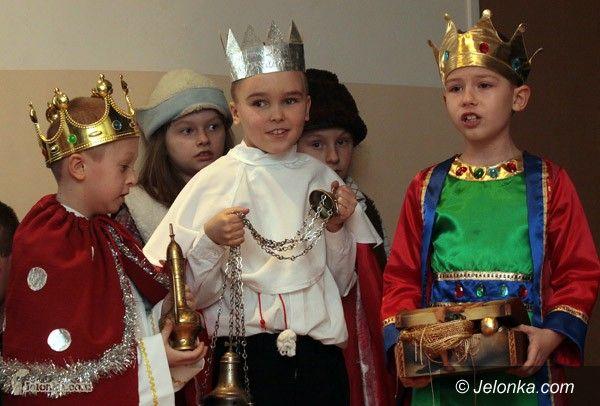 JELENIA GÓRA/ KRAJ: W Trzech Króli do roboty jak za Gomułki