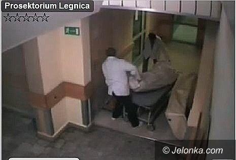 DOLNY ŚLĄSK: Skandal w kostnicy – VIDEO
