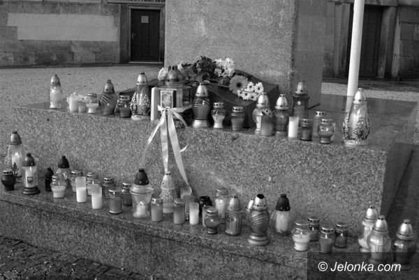JELENIA GÓRA: Miasto i region w żałobie