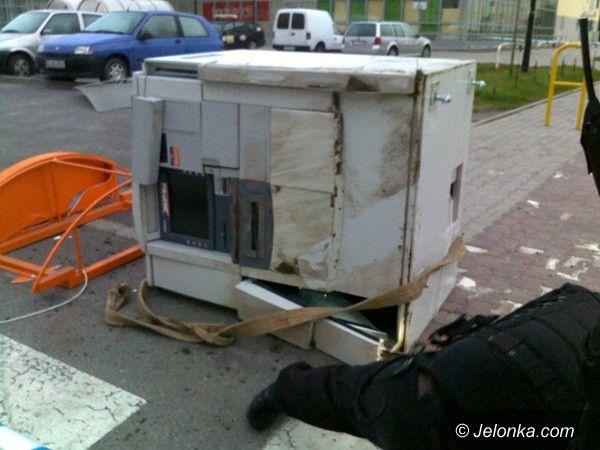 JELENIA GÓRA: Jak ukraść, to bankomat
