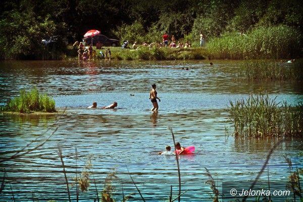 JELENIA GÓRA: Jak upał, to nura do wody!