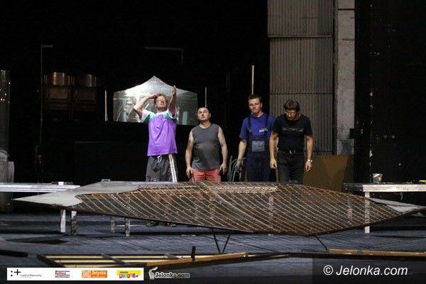 """JELENIA GÓRA: Start poetyckiego """"Lata w Teatrze"""""""