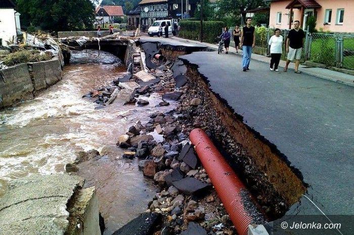 DOLNY ŚLĄSK: Wciąż są kłopoty z dojazdem na zalane tereny