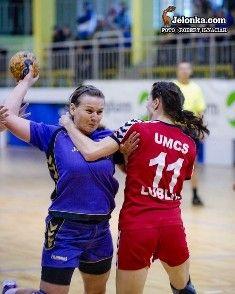 Jelenia Góra - hala przy ul. Złotniczej: Turniej piłkarek ręcznych na Złotniczej