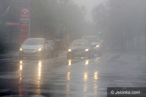 JELENIA GÓRA: Pada, pada i pada: stan ostrzegawczy w rzekach przekroczony