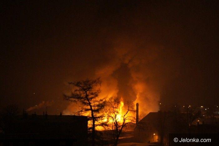 JELENIA GÓRA: Miesiąc po pożarze hurtowni fajerwerków
