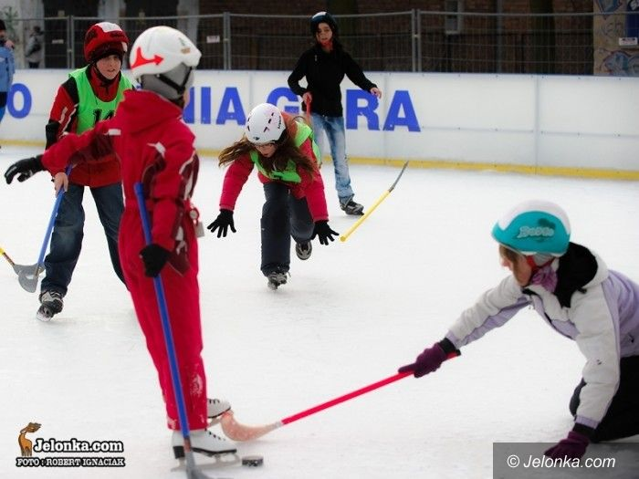 Jelenia Góra: Hokejowe zmagania na Białym Orliku