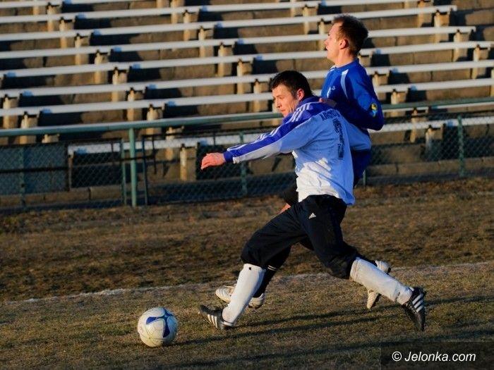 IV-liga piłkarska: Zabójcza końcówka, Karkonosze wygrywają z Kuźnią Jawor