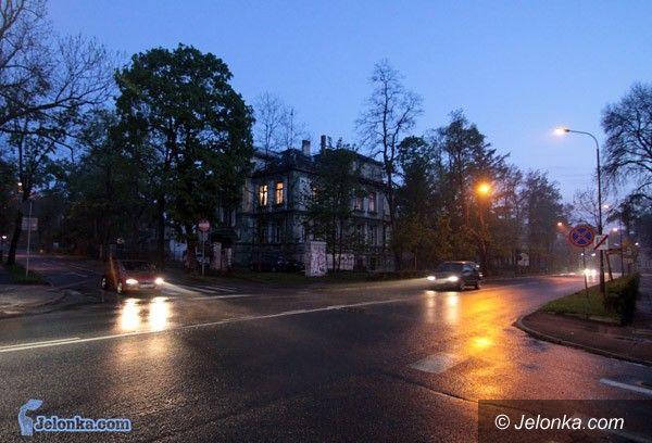 JELENIA GÓRA: Szukają oszczędności w kosztach oświetlenia miasta