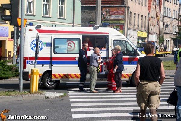 Jelenia Góra: Opel zderzył się w ciężarówką. Na feralnym skrzyżowaniu