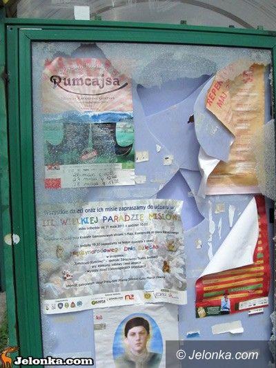 Jelenia Góra: Zniszczyli przystanek MZK
