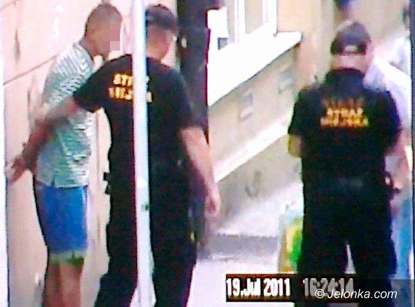 Jelenia Góra: Odpowie za kradzież spodni
