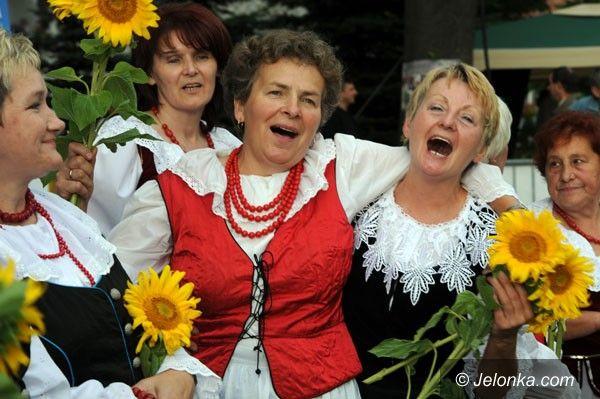 REGION JELENIOGÓRSKI: Izerska Gala Folkloru w Mirsku. Pod szczęśliwą trzynastką