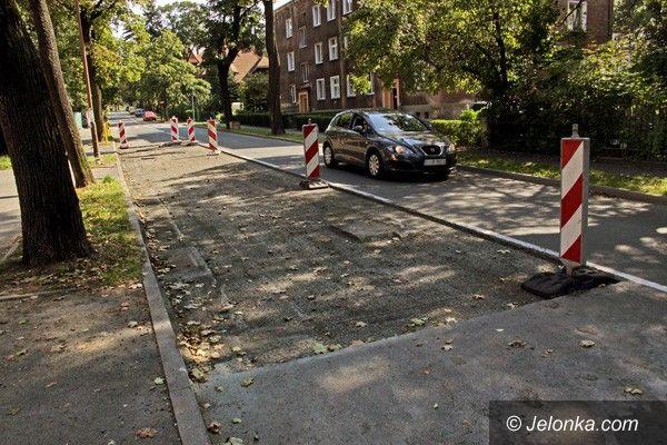 JELENIA GÓRA: Będzie nowy asfaltowy dywanik na ulicy Mickiewicza