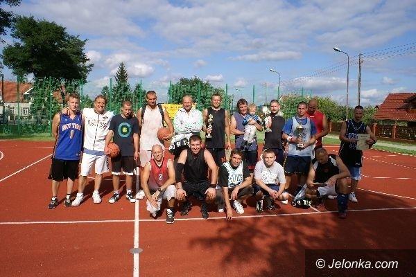 Sobieszów: Uliczną koszykówką pożegnali lato w Sobieszowie